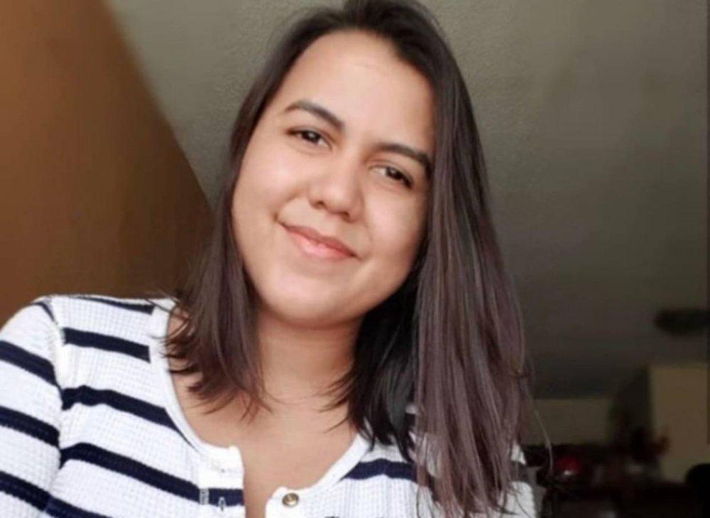 ¿HUYÓ DE LA CRISIS?- Marlene de Andrade fue captada arreglando documentos en la Oficina de Identificación de Portugal (+FOTOS)